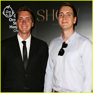 'Harry Potter' Twins Oliver Phelps & James Phelps Hit Up the F1 Party Together
