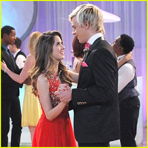 Ross Lynch & Laura Marano Are Homecoming King &a