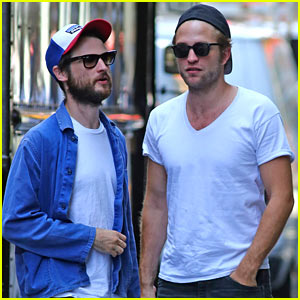 Robert Pattinson Enjoys Summer in NYC with Tom Sturridge!