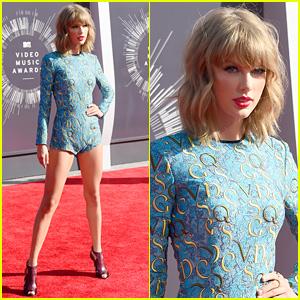 Taylor Swift Displays Long Legs in Tiny Romper at MTV VMAs 2014!
