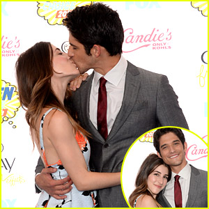 Tyler Posey & Seana Gorlick Share Teen Choice Awards Carpet Kiss & It's The Cutest Thing Ever
