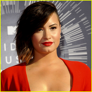 Demi Lovato Bringing Inspirational Speaker Spencer West on Her Tour