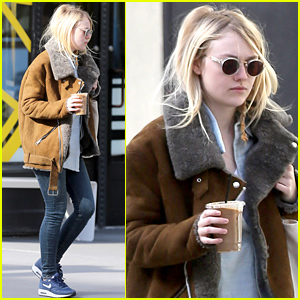 Dakota Fanning Grabs an Iced Coffee in Chilly New York City!