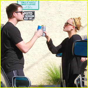 Jonathan Bennett & Peta Murgatroyd Had A 'Lady & The Tramp' Moment