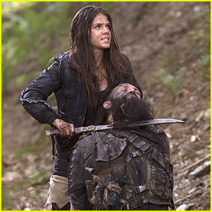 Octavia Takes Prisoners To Find Lincoln On 'The 100'