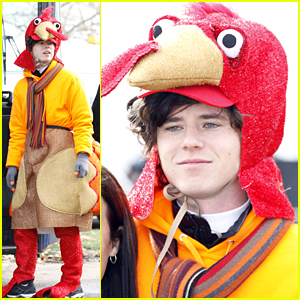 The Middle's Charlie McDermott Was Actually A Turkey For Thanksgiving!