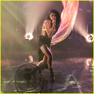 FKA twigs Performs on 'Fallon' for U.S. Television Debut - Watch Now!