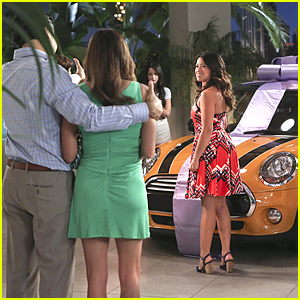 Woah! Jane Gets A New Car From Rogelio on 'Jane The Virgin'!