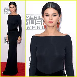 Selena Gomez Is a Blue Beauty at AMAs 2014!