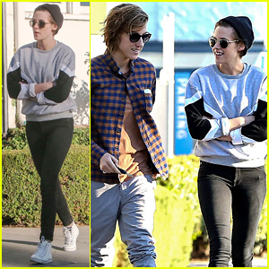 Kristen Stewart is All Smiles at Lunch with Good Pal Alicia Cargile