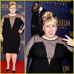 Rebel Wilson Deals With Some Monkey Business at 'Night at the Museum: Secret Of The Tomb' Premiere