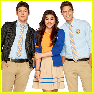'Every Witch Way' Love Triangle: Should Emma Be with Daniel or Jax?!