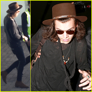Harry Styles Takes His First Flight of 2015
