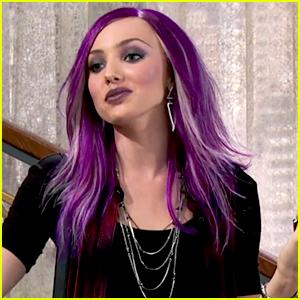 Peyton List Has Purple Hair In New 'Jessie' Promo!