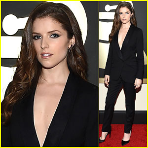 Anna Kendrick Shows Off Some Skin at Grammys 2015!