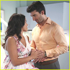 Do You Think Jane & Rafael Will Have A Boy Or Girl on 'Jane The Virgin'? Take Our Poll!