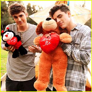 Jack & Jack & Sammy Wilkinson Give Valentine's Day Advice - See The Vid!