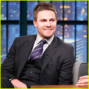 Stephen Amell Dreams of Hosting 'Saturday Night Live'