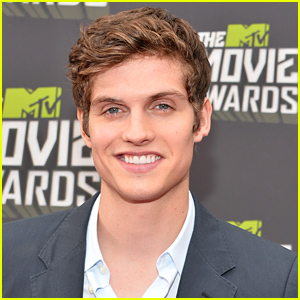 Teen Wolf's Daniel Sharman Lands Lead in CBS Pilot 'LFE'