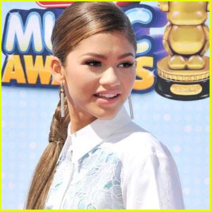 Zendaya To Host Radio Disney Music Awards 2015!