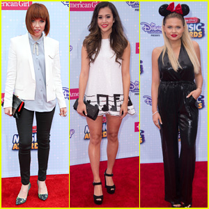 Carly Rae Jepsen & Megan Nicole Keep It Classic for RDMAs 2015 Red Carpet
