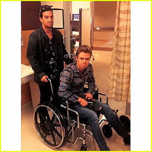Derek Hough Suffers Foot Injury - Will He Still Compete on 'DWTS'?