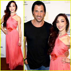 Meryl Davis & Maksim Chmerkovskiy Reunite for Skating With The Stars Benefit Gala 2015