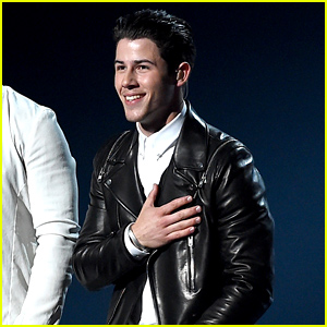 Nick Jonas Performs 'Chains' & 'Jealous' at ACM Awards 2015 - Watch Now!