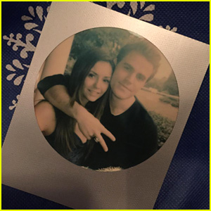 Nina Dobrev Says Goodbye to 'Vampire Diaries' Castmates in Photos From Last Days on Set