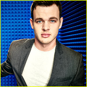 Clark Beckham Performs on 'American Idol' Top 2 Show! (Video)