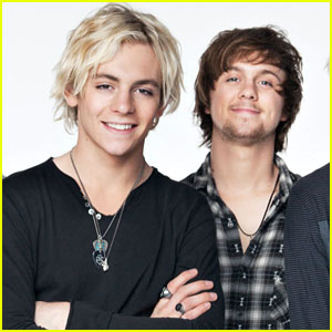 R5's Ellington Ratliff Imagines His Own Wax Figure After Ross Lynch Gets His Own