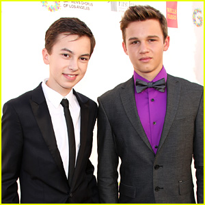 Gavin Macintosh & Hayden Byerly Present Together at GMCLA Voice Awards 2015!