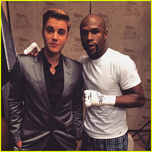 Justin Bieber Supports Mayweather at Fight of the Century!