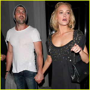 Maksim Chmerkovskiy & Peta Murgatroyd Are Back Together, Hold Hands After 'DWTS'!