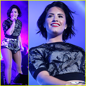 Demi Lovato Live Tweets Flight Delay After DigiFest NYC Performance