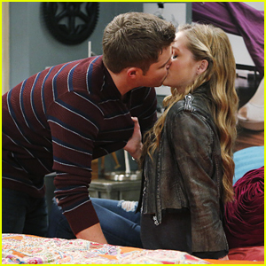 Zander & McKenna Kiss On 'Melissa & Joey' Tonight!