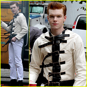 Cameron Monaghan Wears a Straight Jacket While Playing The Joker!