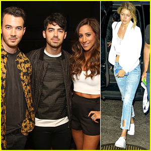 Joe & Kevin Jonas Watch Younger Brother Nick Perform in NYC!