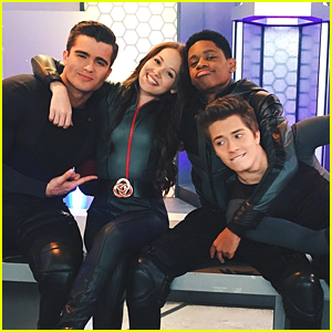 Kelli Berglund & Spencer Boldman Say Goodbye To 'Lab Rats' & Wrap Series
