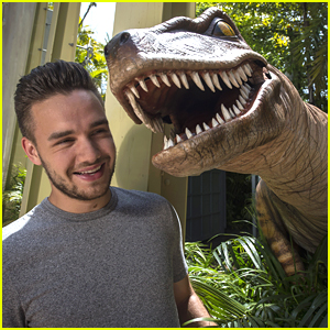 Liam Payne & Sophia Smith Meet Dinosaurs At Universal Orlando - See The Pics!