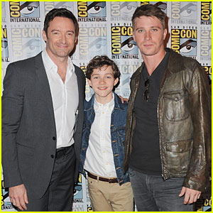 Levi Miller & Garrett Hedlund Join the 'Pan' Panel at Comic-Con