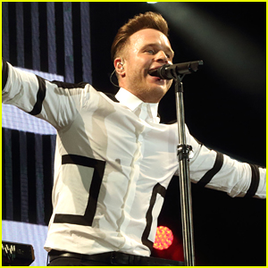 Olly Murs Puts On A Party At Hylands Park For V Festival 2015