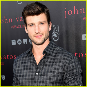 Parker Young is Headed to 'Arrow' as Thea's New Love Interest!