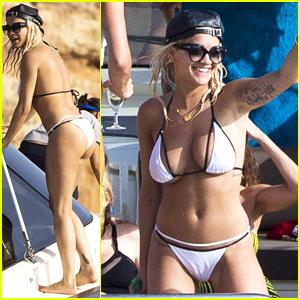 Rita Ora Flaunts Her Bikini Body in Ibiza!