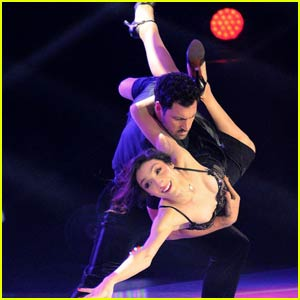 Chelsie Hightower, Dmitry Chaplin & More Join 'Paul Mitchell Shall We Dance on Ice' (JJJ Exclusive)
