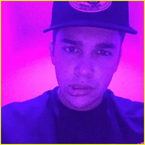 Austin Mahone Sings Awesome Cover of Frank Ocean's 'Thinkin Bout You' - Watch Now!