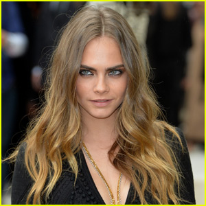 Cara Delevingne Calls Out Paparazzi in Long Twitter Rant