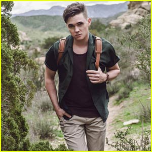 Jesse McCartney is a Hot Hiker for 'Flaunt'