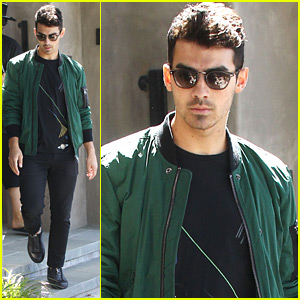 Joe Jonas Praises Brothers Nick & Kevin: 'I Have Some Amazing Brothers'