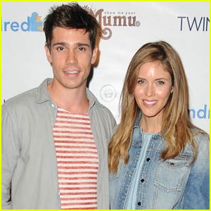 'The Vampire Diaries' Alum Kayla Ewell Marries Tanner Novlan!